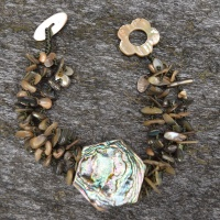 Abalone shell bead & hexagon bracelet
