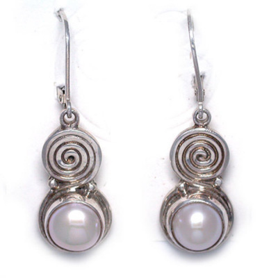 Freshwater Pearl Eurowire Earrings