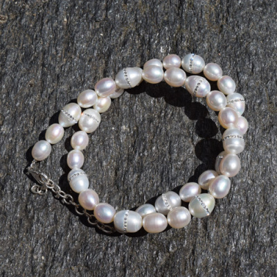 "White Pearl Bead Necklace with Alternating Inliad Swarovski Crystals 18"" + 2"" Ext"